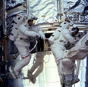 Hubble: NASA's greatest observatory opens its eyes ...