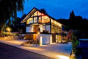 Legno Haus De : case in legno in collina e montagna flock haus switzerland ~ Markanthonyermac.com Haus und Dekorationen