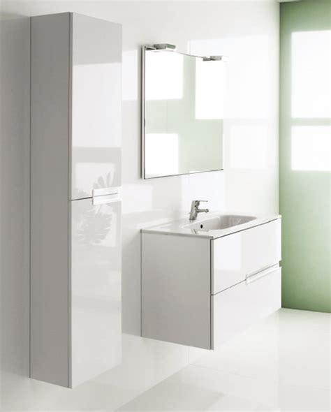 la salle de bains simple et abordable de roca inspiration bain
