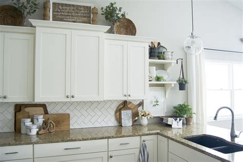 Easy Ways To Beautify Your Kitchen