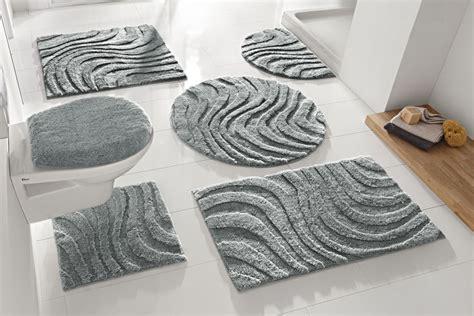 formes tapis de salle de bain