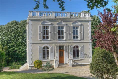 maison 224 vendre en pays de la loire vendee fontenay le comte superbe maison palladienne