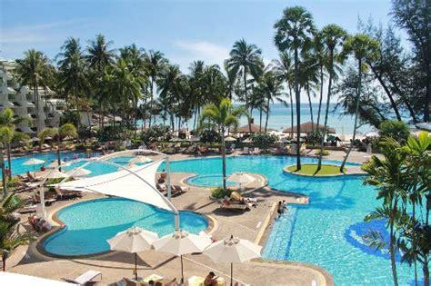 pool area picture of le meridien phuket resort karon tripadvisor
