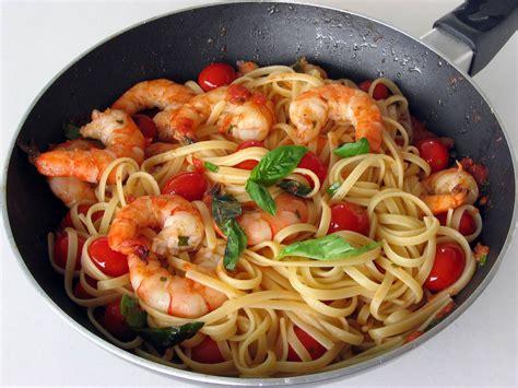 p 226 tes aux crevettes tomates et basilic faciles cuisine az