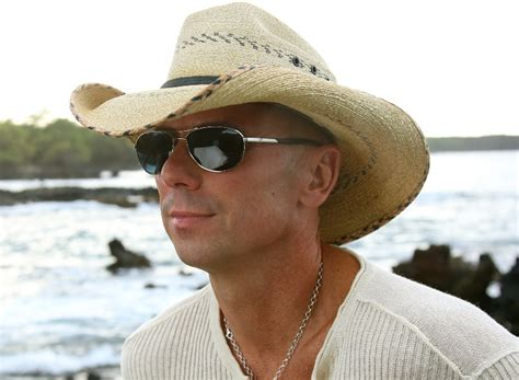 Kenny Chesney Picks His Ultimate Summer Playlist For No