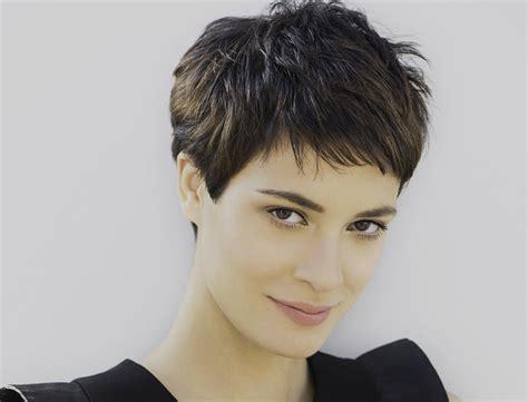 coupe de cheveux court 2016 pour femme coiffure moderne