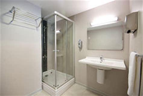 salle de bains d h 244 pital images libres de droits image 32939229