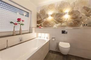 Fliesen Tapete Für Bad : tapete im badezimmer ihr partner f r badezimmer komplettsanierung aus einer hand ~ Markanthonyermac.com Haus und Dekorationen