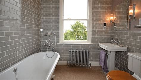 Creating A Victorian Bathroom