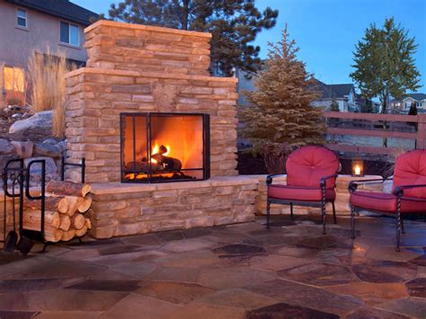 Outdoor Fireplaces : How To Plan For Building An Outdoor Fireplace
