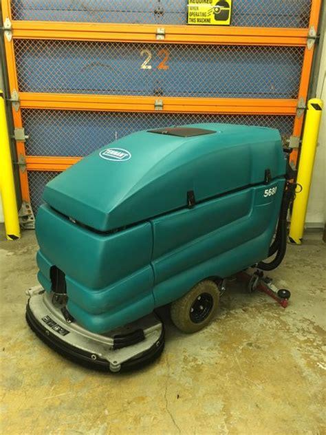 refurbished tennant 5680 walk floor scrubber autoscrubber speedy janitorial