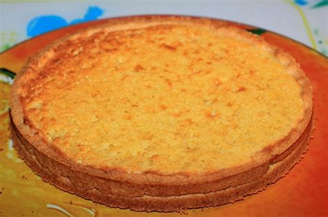 tarte aux fraises cr 232 me amandine et cr 232 me patissi 232 re vanille le de c 233 cile
