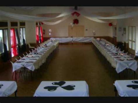 decoration de salle anniversaire blanc noir pour une fille de 18 ans
