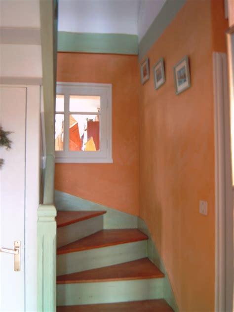 relook 233 escalier en bois faire vous m 234 me votre peinture enduits appr 234 t murs photos d 233 co