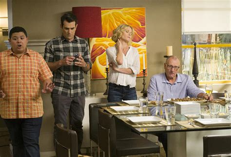 modern family season 8 preview today s news our take tvguide