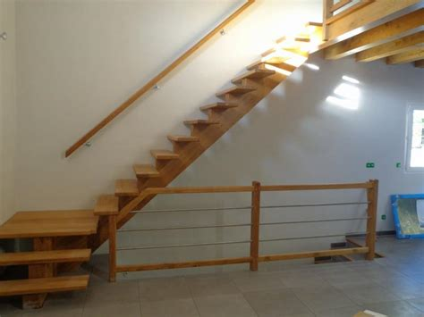 escalier quart 224 limon central al 232 s gard uz 232 s les angles