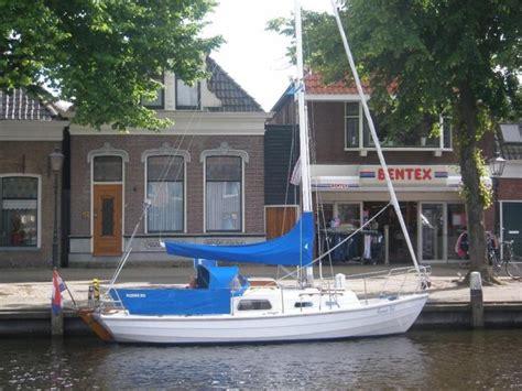Tweedehands Kajuitzeilboot Te Koop by Kajuitzeilboten En Zeiljachten Tweedehands En Nieuwe