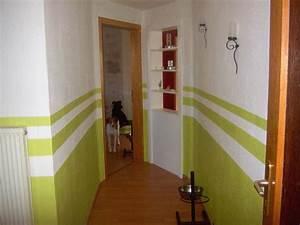 Wandgestaltung Treppenhaus Einfamilienhaus : nochmal ein flur ~ Markanthonyermac.com Haus und Dekorationen