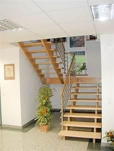 Halbgewendelte Treppe Mit Podest : 17 ideen zu podesttreppe auf pinterest treppe holztreppe und treppe podest ~ Markanthonyermac.com Haus und Dekorationen