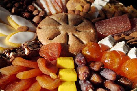 les treize desserts sont n 233 s au pied du garlaban le grand pastis de psaltis