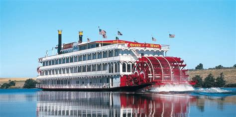 Mississippi Queen Riverboat Cruises by Willie Nelson Buys Casino Riverboat On Mississippi