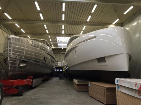 Motorjacht In Storm by Construction Of Storm Motor Yacht S 78 Well Underway