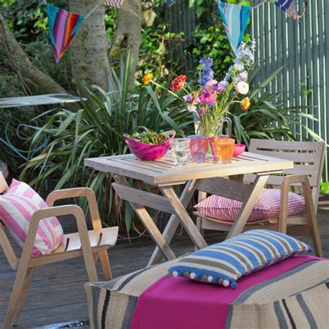 colourful country style garden patio country decorating