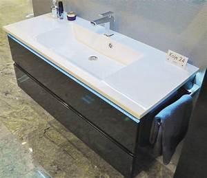 Waschtisch Mit Unterschrank 120 : puris ace waschtisch mit unterschrank 120 arcom center ~ Markanthonyermac.com Haus und Dekorationen