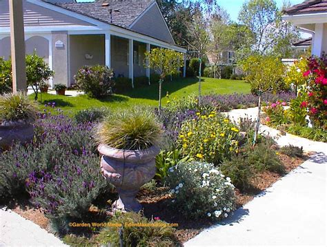 Fascinating Small Backyard Landscaping Ideas Without Grass