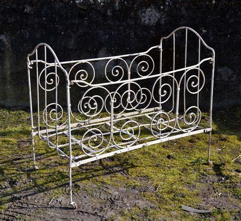 mobilier de jardin ancien et objets en fer brocante d 233 co jardin