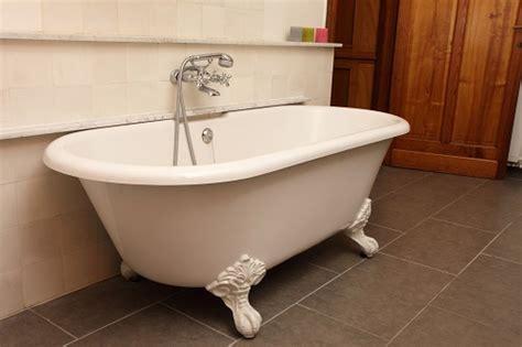 peinture baignoire fonte castorama 28 images renovation baignoire wikilia fr baignoire rtro