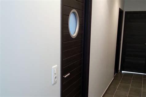 hublot porte salle de bain maison design sphena