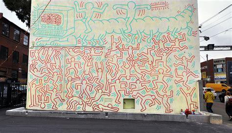 keith haring graffiti mural all those shapes