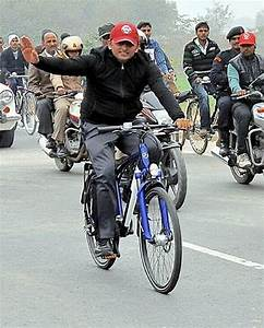 Samajwadi Party leader Amar Singh threatens to resign ...