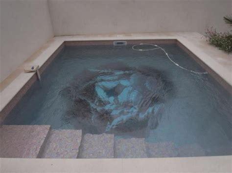 d 233 cor quot quot au fond d une piscine en p 226 te de verre