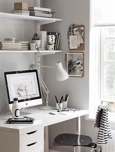 Computer Im Schlafzimmer : best 10 small desk bedroom ideas on pinterest small desk for bedroom desk ideas and shelves ~ Markanthonyermac.com Haus und Dekorationen