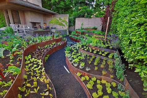 Garden Types :  How To Make The Most Of Your Garden Soil?