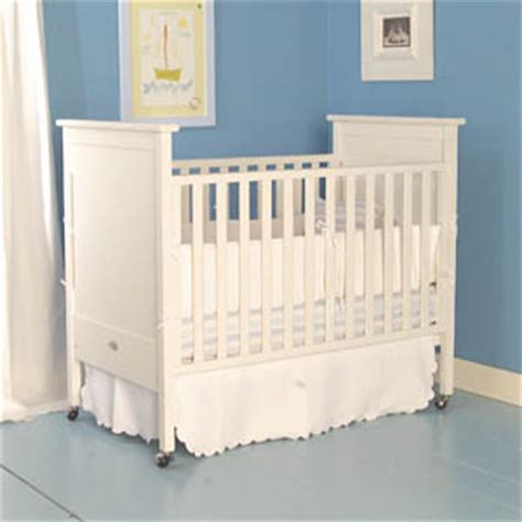 bratt decor crib white