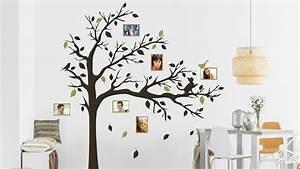 Wand Mit Fotos Dekorieren : b ume an der wand dekoration mit wandtattoos ~ Markanthonyermac.com Haus und Dekorationen