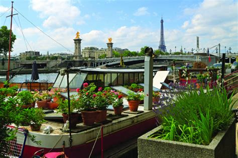 Houseboats Paris by Paris Houseboats Living And Partying On The Seine S P 233 Niches
