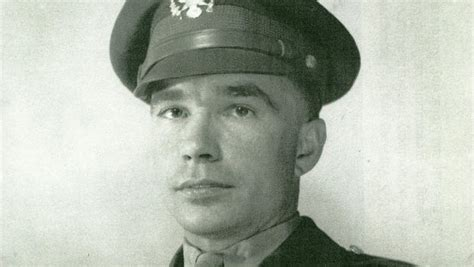 second most decorated wwii soldier won t get medal of