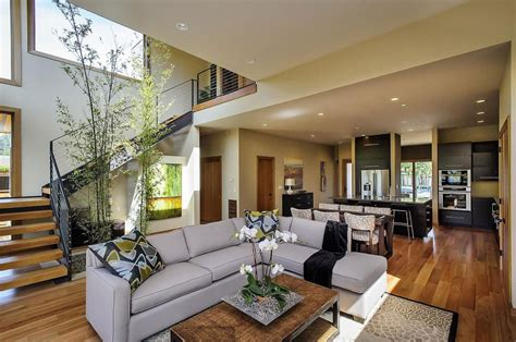 Contemporary Style Home In Burlingame, California
