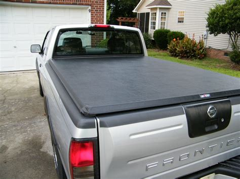 Nissan Frontier Bed Cover by Installing A Truxedo Truxport Tonneau Cover On A Nissan