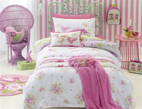 jiggle giggle shabby chic quilt cover set manchester madness