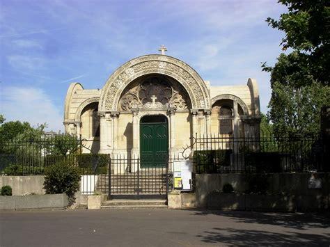 la chapelle ferdinand le pieton de