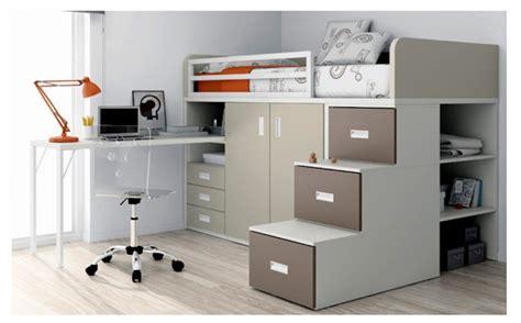 lit mezzanine avec armoire des tiroirs et un bureau
