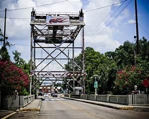 Bridge in the town of Breaux Bridge, Louisiana | HDR creme