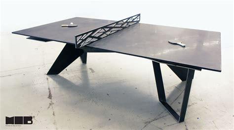 une table de ping pong en b 233 ton noir et en acier faite par 2 entreprises qu 233 b 233 coises joli joli