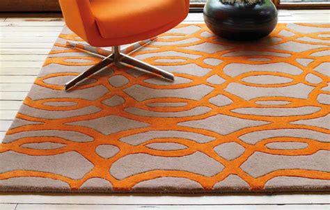 tapis haut de gamme orange et taupe wire par joseph lebon