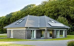 Bungalow 200 Qm : musterhaus bungalow grundriss ~ Markanthonyermac.com Haus und Dekorationen